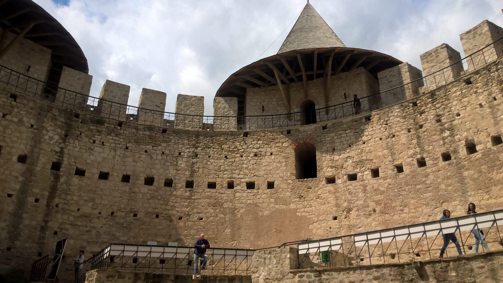 cetatea soroca interior1