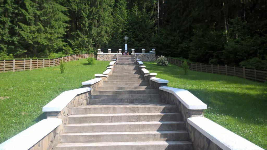 monumentul eroilor cazuti in Al Doilea Razboi Mondial
