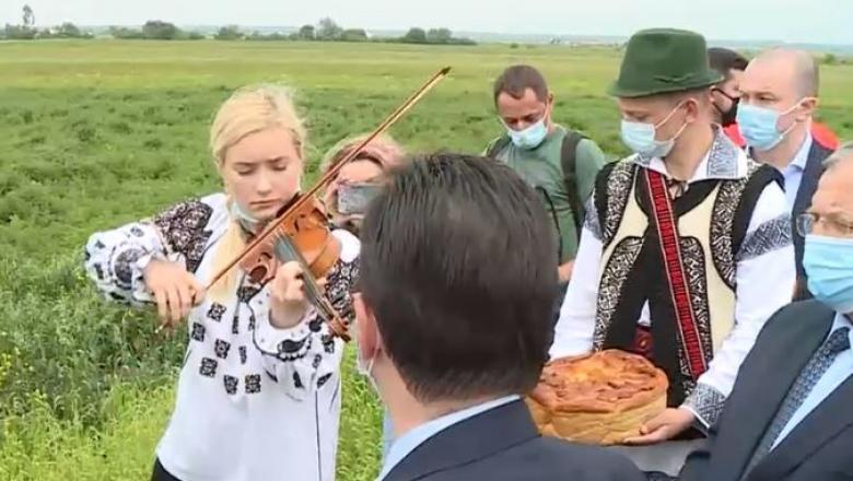 De ce vizita premierului Orban în Bucovina a fost un fiasco